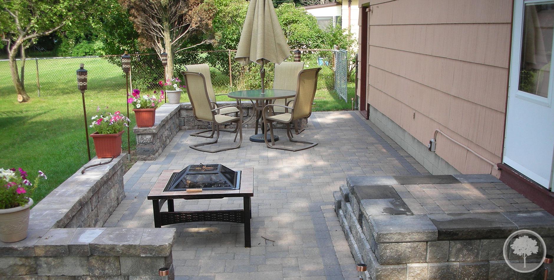 Lashomb lawn landscape patio walls for Fire pit on concrete slab